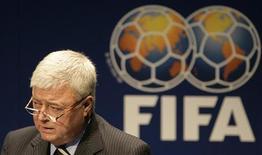 <p>Ricardo Teixeira, presidente da CBF, durante apresentação sobre a Copa do Mundo 2014 na sede da FIFA, em Zurique. Aeroportos são principal preocupação para Copa de 2014, diz Teixeira. REUTERS/Michael Buholzer</p>