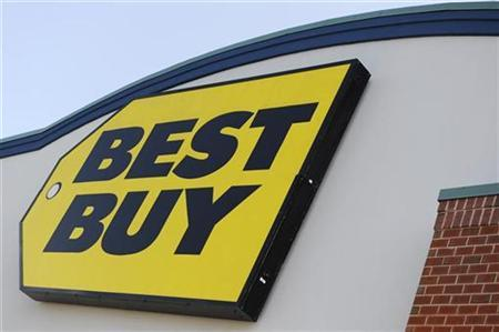 A Best Buy sign is seen on a store in Alexandria, Virginia, September 15, 2009. REUTERS/Jonathan Ernst