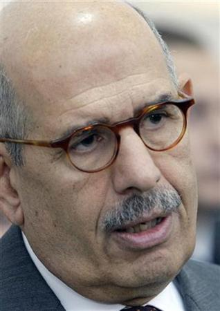 International Atomic Energy Agency (IAEA) Director General Mohamed ElBaradei briefs the media after a meeting with EU and U.S. Diplomats on the Iranian nuclear issue at Vienna's UN headquarters October 21, 2009. REUTERS/Herwig Prammer