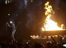 <p>El grupo alemán Tokio Hotel durante su presentación en los premios MTV Europa realizada en Berlín, nov 5 2009. REUTERS/Tobias Schwarz</p>