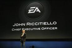 <p>John Riccitiello, le patron d'Electronic Arts. L'éditeur américain de jeux vidéo aggrave ses pertes au deuxième trimestre et annonce la suppression de 1.500 emplois environ, dans le cadre de nouvelles mesures de restructuration. /Photo d'archives/REUTERS/Mario Anzuoni</p>