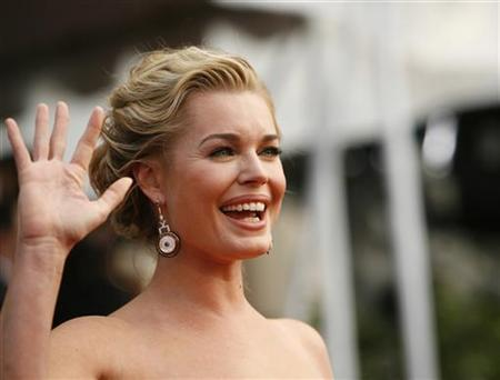 Actress Rebecca Romijn from ''Ugly Betty'' arrives at the 14th annual Screen Actors Guild Awards in Los Angeles January 27, 2008. REUTERS/Mario Anzuoni