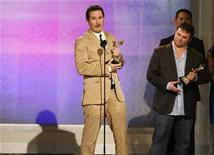 "<p>Producer and director Darren Aronofsky (L) and producer Scott Franklin accept the award for Best Feature for ""The Wrestler"" at the 24th annual Spirit Awards in Santa Monica, California February 21, 2009. REUTERS/Danny Moloshok</p>"