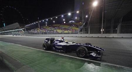 Williams Formula One driver Nico Rosberg of Germany drives during the third practice session of the Singapore F1 Grand Prix at the Marina Bay street circuit September 26, 2009. REUTERS/Russell Boyce