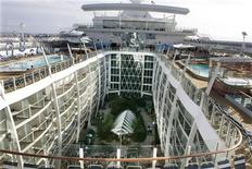"<p>The ""Central Park"" area on the Oasis of the Seas is seen during a media tour in Fort Lauderdale, Florida, November 20, 2009. REUTERS/Joe Skipper</p>"