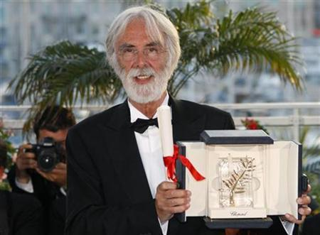 Austrian director Michael Haneke attends a photocall after receiving the Palme d'Or award for the film ''Das Weisse Band'' (The White Ribbon) during the award ceremony at the 62nd Cannes Film Festival May 24, 2009. REUTERS/Vincent Kessler