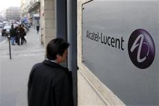 """<p>Alcatel-Lucent a été retenu par Bouygues Telecom pour un contrat en phase de test de la technologie haut débit mobile de prochaine génération LTE, ou """"long term evolution"""". Le programme de test aura lieu au cours de l'année 2010. /Photo d'archives/REUTERS/Charles Platiau</p>"""