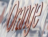 <p>L'Autorité de la concurrence a sanctionné France Télécom et Orange Caraïbe à hauteur de 63 millions d'euros pour frein à la concurrence en Guadeloupe, Martinique et Guyane. /Photo d'archives/REUTERS/Toby Melville</p>
