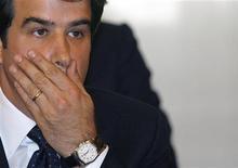<p>Министр регионального развития Италии Раффаэлле Фитто на церемонии принесения присяги в Риме 8 мая 2008 года.Один из министров правительства Сильвио Берлускони предстанет перед судом по делу о коррупции, став вторым высокопоставленным чиновником, павшим жертвой обвинений правоохранительных органов за последний месяц. REUTERS/ Dario Pignatelli</p>