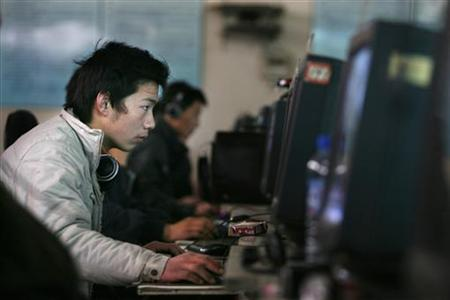 Chinese internet users go online at an internet shop in Beijing April 2, 2008. REUTERS/Claro Cortes IV