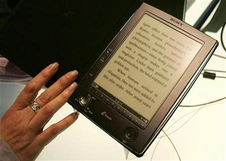 The new Sony Reader is seen at the 2006 Consumer Electronics Show (CES) in Las Vegas January 4, 2006. REUTERS/Rick Wilking
