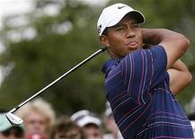 <p>Tiger Woods, que se retirou das competições de golfe por tempo indeterminado após incidente de carro e a descoberta de casos de adultério, recebeu mais uma honraria no mundo do golfe, na sexta-feira, quando foi eleito o Jogador do Ano da Temporada da PGA.REUTERS/Mick Tsikas</p>