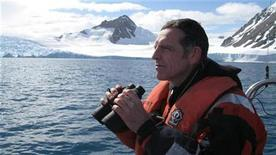 <p>David Vaughan, a leading glaciologist with the British Antarctic Survey, looks out at the edge of the Sheldon glacier on the Antarctic Peninsula January 15, 2009. REUTERS/Stuart McDill</p>