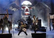 <p>The band Avenged Sevenfold performs during the taping of the Fuse/Fangoria Chainsaw Awards at the Orpheum Theater in Los Angeles, California October 15, 2006. REUTERS/ Phil McCarten</p>