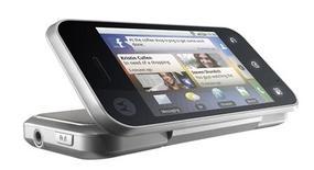 <p>Motorola BackFlip, dobrável e com tela do lado de fora do aparelho.</p>