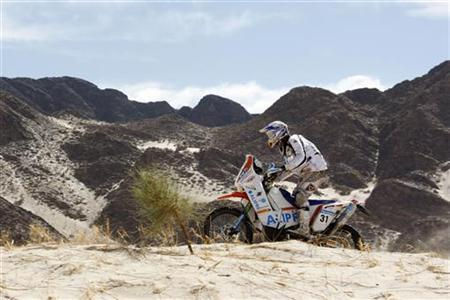 Manca Luca of Italy rides his KTM motorcycle during the third stage from La Rioja to Fiambala in the second South American edition of the Dakar Rally, January 4, 2010. REUTERS/Jacky Naegelen (