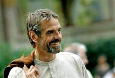 <p>British actor Jeremy Irons arrives to attend a photocall in Venice September 3, 2005.</p>