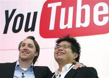 <p>Chad Hurley e Steve Chen, co-fondatori di Youtube. REUTERS/Philippe Wojazer</p>
