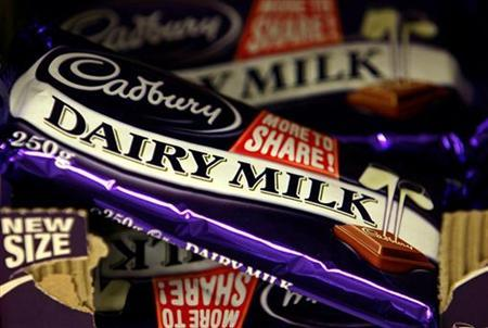 Cadbury's chocolate bars are seen in a shop in London in this June 23, 2006 file photograph. REUTERS/Alessia Pierdomenico/Files