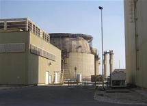 <p>Атомная электростанция в городе Бушир, Иран. 30 ноября 2009 года. Иран известил ядерное агентство ООН о том, что отвергает ключевые пункты проекта договора об отправке за рубеж обогащенного урана, сообщили дипломаты. REUTERS/Vladimir Soldatkin</p>