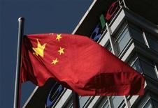 """<p>Se esconden bajo seudónimos y múltiples direcciones, pero legiones de """"hackers"""" chinos fueron puestos bajo el foco público la semana pasada después de que Google aseguró haber sufrido sofisticados ciber ataques desde el interior de China. En el país hay decenas de miles de Hong Ke o visitantes rojos, como son conocidos en China. Muchos son motivados por el patriotismo, a pesar de que es difícil establecer su relación con el Gobierno chino o el Ejército, que algunos expertos sospechan estaría detrás de los ataques. REUTERS/Alfred Jin</p>"""