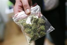 <p>A bag of medical marijuana is shown at Oaksterdam University, a trade school for the cannabis industry, in Oakland, California July 23, 2009. REUTERS/Robert Galbraith</p>