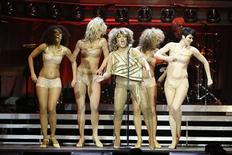 <p>Marzo 2009. Tina Turner durante il suo ultimo tour. REUTERS/Stefan Wermuth</p>