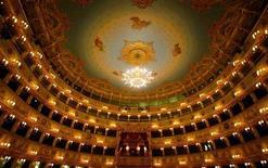 """<p>Концертный зал Венецианской оперы """"La Fenice"""" 13 декабря 2003 года. 29 января 1996 года Венецианская опера, пророчески названная """"La Fenice"""" (""""Феникс""""), сгорела во второй раз. Вновь она была открыта после реставрации в 2003 году. REUTERS/Stefano Rellandini</p>"""