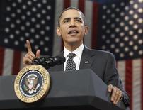 <p>Президент США Барак Обама выступает в Тампском Унивеситете Боба Мартинеса, Флорида 28 января 2010 года. Президент Барак Обама предложит $33-миллиардные налоговые скидки для малого бизнеса, чтобы в 2010 году предприятия могли позволить себе нанять новых сотрудников и повысить зарплаты, сообщил в четверг представитель Белого дома. REUTERS/Larry Downing</p>