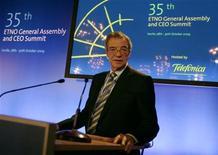 <p>Cesar Alierta, presidente di Telefonica, in una foto d'archivio. REUTERS/Marcelo del Pozo</p>