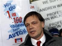 <p>Andrew Wakefield, dottore britannico autore del paper sulle possibili relazioni tra autismo e vaccino trivalente, in foto d'archivio. REUTERS/Luke MacGregor</p>