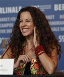 """<p>La directora Cluadia Llosa sonríe en una conferencia de prensa pra presentar su filme """"La Teta Asustada"""", en el Festival de Cine de Berlín, 12 feb 2009. La nominación por primera vez de una película peruana a los Oscar es un espaldarazo al surgimiento del cine de Perú, que ha ganado en los últimos años otros reconocimientos a nivel global, dijeron expertos. El filme peruano """"La Teta Asustada"""" fue seleccionada el martes como candidato al Oscar a la mejor película de habla no inglesa, junto a otros cuatro cintas de Argentina, Israel, Francia y Alemania, un hecho histórico para Perú. La película, de la directora Claudia Llosa (foto), narra las vivencias de una joven que padece un mal llamado """"la teta asustada"""", una enfermedad que se cree se transmite por la leche materna y que refleja los miedos o maltratos que se vivió en una de las zonas de mayor violencia guerrillera en Perú. REUTERS/Pawel Kopczynski/archivo</p>"""