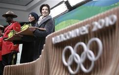 <p>Uniformes e bandejas, e o pódio são lançados em cerimônia de preparação para os Jogos Olímpicos de Inverno em Vancouver. Vancouver se orgulha de ser uma das cidades mais habitáveis do mundo, mas moradores estão incertos se querem o mundo à sua porta. REUTERS/Andy Clark 02/02/2010</p>