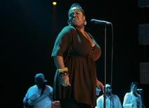 <p>Singer Jill Scott performs at the Essence Music Festival in New Orleans, Louisiana July 5, 2008. REUTERS/Lee Celano</p>