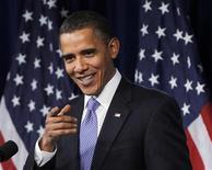 <p>Президент США Барак Обама выступает перед Сенатом в Вашингтоне 3 февраля 2010 года. Американский суд может в мае депортировать из США 57-летнюю тетю главы государства Барака Обамы, сообщило министерство юстиции. REUTERS/Jason Reed</p>