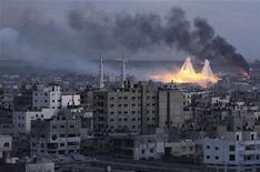 <p>O segundo prêmio da World Press Photo foi para esta imagem do fotógrafo da Reuters, Mohammed Salem, da Faixa de Gaza apósum ataque de Israel. 08/01/2009 REUTERS/Mohammed Salem</p>
