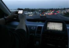 """<p>Selon un assureur en ligne, 44% des procureurs ayant sollicité un dossier d'assurance ont indiqué avoir déjà eu un accident. """"Les professions demandant d'effectuer plusieurs tâches à la fois - téléphoner, tenir des délais serrés - risquent bien plus d'être distraites, et donc d'avoir un accident"""", note le vice-président d'insurance.com, Sam Belden. /Photo d'archives/REUTERS/Mike Blake</p>"""
