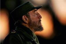 <p>Фидель Кастро выступает на Площади революции в Гаване 29 апреля 2006 года. 19 февраля 2008 года Фидель Кастро отказался от поста Верховного Главнокомандующего Кубы.REUTERS/Claudia Daut</p>