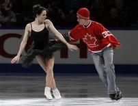 <p>Tessa Virtue and Scott Moir perform during the gala exhibition at the 2010 Canadian Figure Skating Championships in London, Ontario, January 17, 2010. REUTERS/Mark Blinch</p>