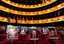 """<p>Fotos indicam assentos dos convidados que estarão presentes na cerimônia do Bafta, no Royal Opera House em Londres neste domingo. """"Avatar"""" e o drama da guerra do Iraque """"Guerra ao Terror"""" dividiram as principais indicações. 18/02/2010 REUTERS/Toby Melville</p>"""