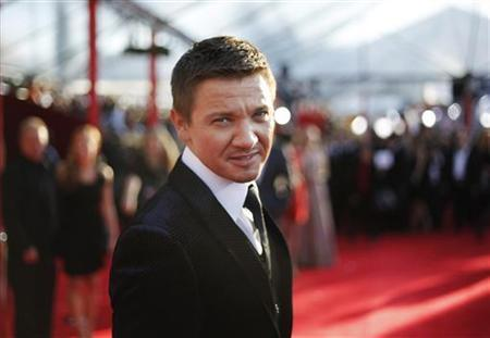 Actor Jeremy Renner from the film ''The Hurt Locker'' poses on the red carpet at the 16th annual Screen Actors Guild Awards in Los Angeles January 23, 2010. REUTERS/Danny Moloshok