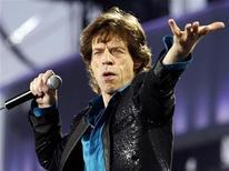 """<p>Vocalista Mick Jagger dos Rolling Stones em turnê pela Europa em 2007. Os Stones vão incluir dez canções inéditas na reedição do álbum """"Exile on Main Street,"""" segundo representantes da banda na quinta-feira. 11/08/2007 REUTERS/Denis Balibouse</p>"""