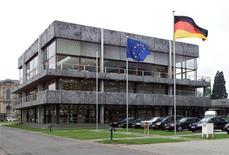 <p>The picture shows the building of the German Federal Constitutional Court Bundesverfassungsgericht in Karlsruhe February 20, 2002. REUTERS/Ralph Orlowski</p>