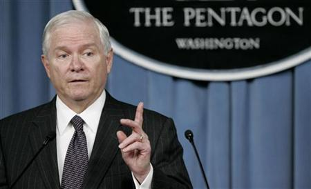 U.S. Secretary of Defense Robert Gates speaks during a press briefing at the Pentagon in Washington, July 9, 2008 file photo. REUTERS/Molly Riley