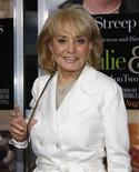 """<p>Foto de archivo: la periodista Barbara Walters arriba a la premiere de """"Julie & Julia"""" en Nueva York, jul 30 2009. REUTERS/Jamie Fine (UNITED STATES)</p>"""