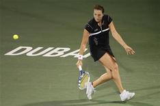 <p>Россиянка Анастасия Павлюченкова отбивает удар Венус Уильямс во время матча Dubai Tennis Championships 18 февраля 2010 года. Россиянка Анастасия Павлюченкова вышла в 1/4 финала турнира Monterrey Open, проходящего в Мексике. REUTERS/Mosab Omar</p>