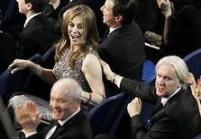 """<p>Diretora Kathryn Bigelow de """"Guerra ao Terror"""" e James Cameron, seu ex-marido e diretor do derrotado """"Avatar"""", na cerimônia do Oscar. 08/03/2009 REUTERS/Gary Hershorn</p>"""
