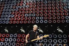 <p>Roger Waters durante un'esibizione dei Pink Floyd. REUTERS/Lucas Jackson (UNITED STATES)</p>