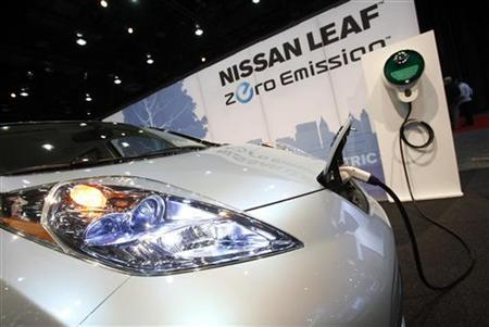 The Nissan Leaf electric car is seen at the 2010 North American International Auto Show in Detroit, Michigan January 12, 2010. REUTERS/Mark Blinch