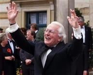 <p>Wolfgang Wagner jokes with the media prior to the opening ceremony of the Wagner opera festival in Bayreuth, Germany, July 25, 1999. REUTERS/Michael Dalder</p>